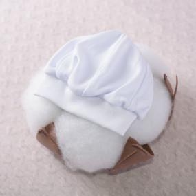 Берет нарядный для мальчика, белый интерлок (100% хлопок)